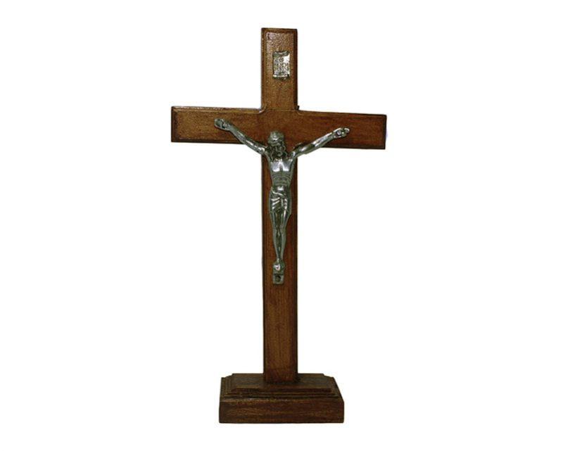 Crucifijo de pared - madera c/Cristo y base. 21cm