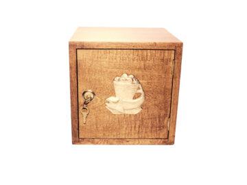 S. de madera maciza cancharana c/aplique bronce. 25x25x25cm