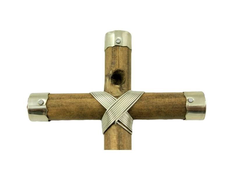 Crucifijo_de_pared_Madera_con_Alpaca_Gaucha_15x9cm_-_para_colgar