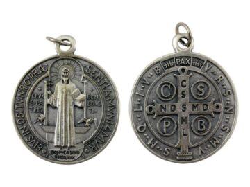 Medalla_Plateada_San_Benito_48mm_-_frente_y_dorso